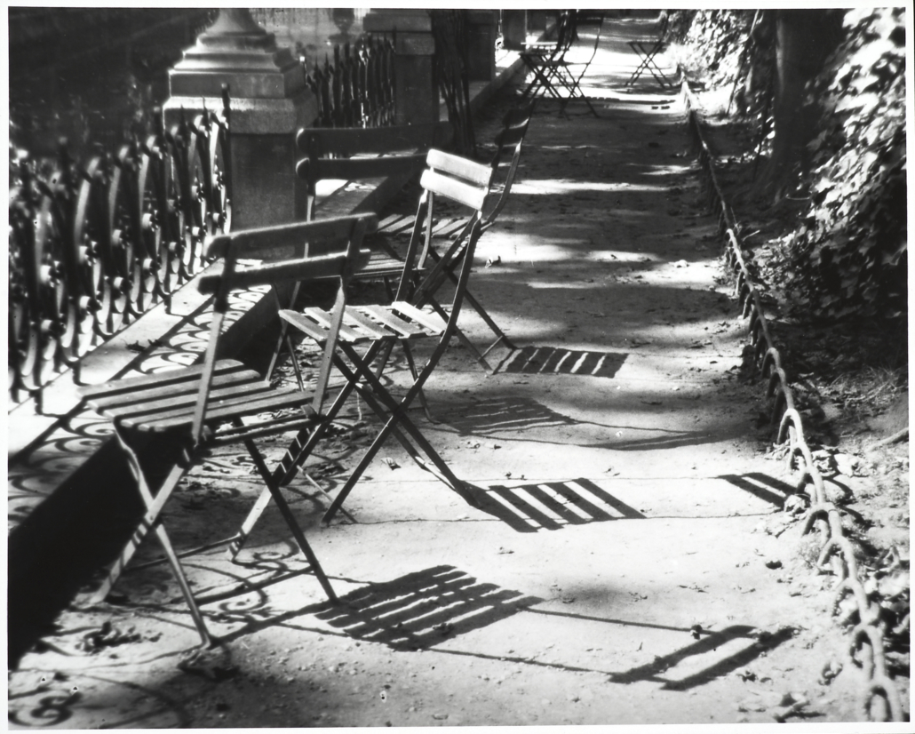 André Kertész, Chairs, the Medici Fountain, Paris | FAPE